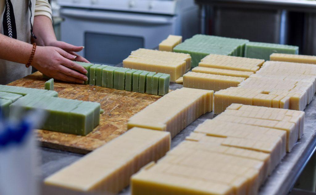 cara membuat sabun organik - rumah123.com