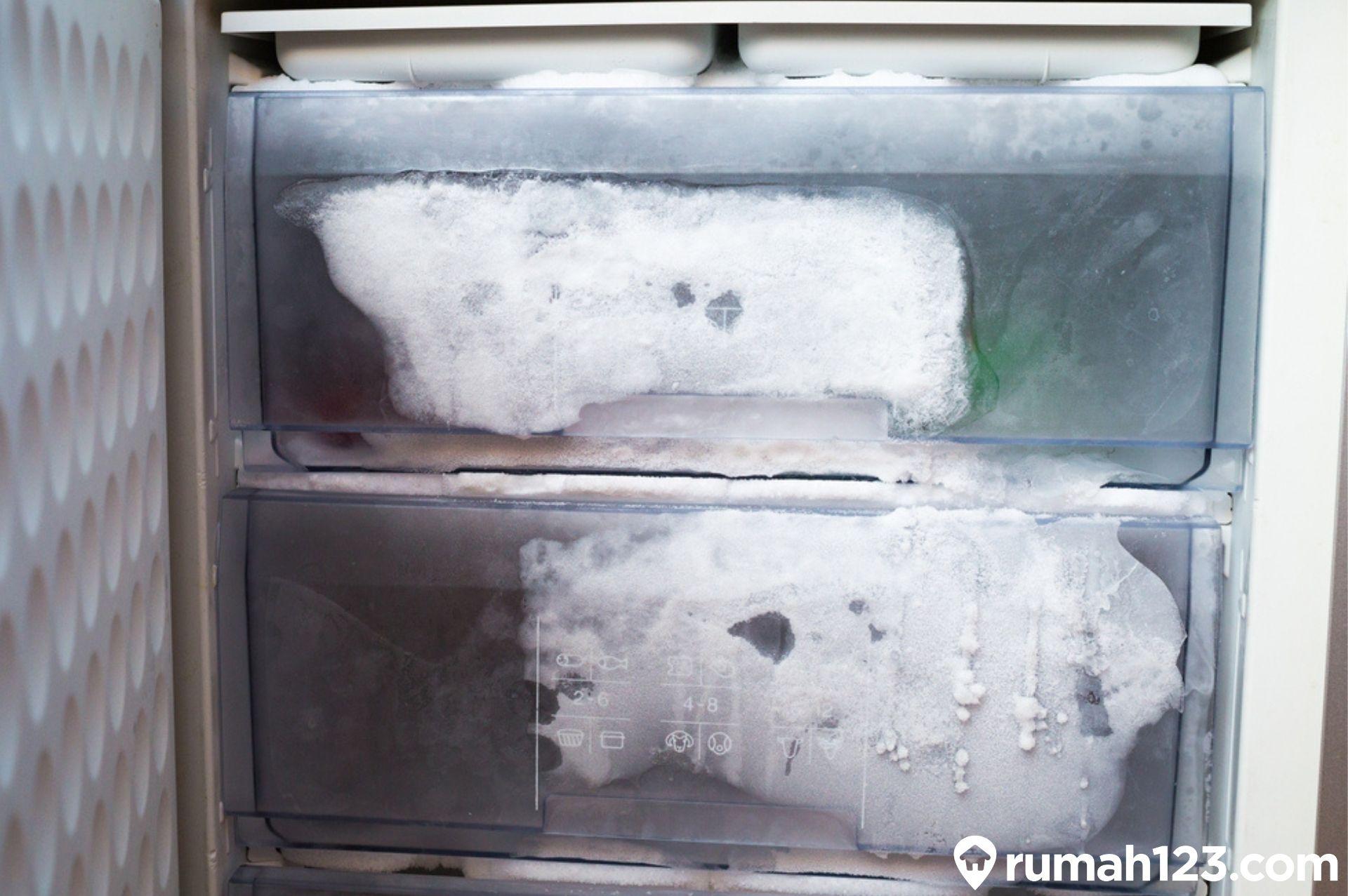 7 penyebab kulkas tidak dingin dan