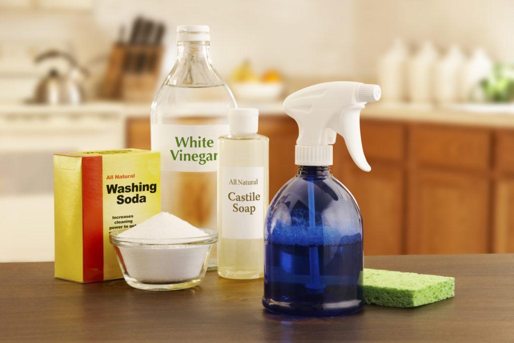 Cuka putih bukan cuma buat memasak, tapi juga untuk membersihkan rumah - Rumah123.com