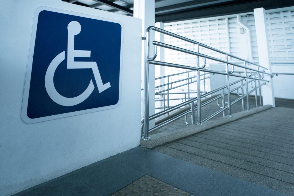 Beberapa tempat wisata di Indonesia sudah menyediakan fasilitas ramah disabilitas - Rumah123.com