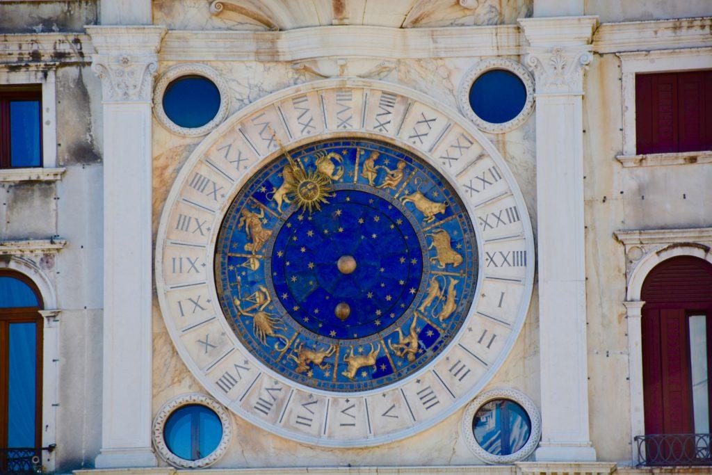ramalan zodiak - rumah123.com