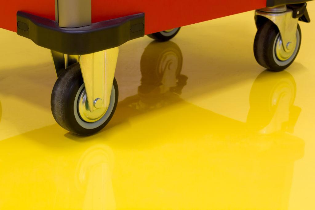 Pilih lemari, serta perabotan lain dengan roda di kaki-kakinya - Rumah123.com