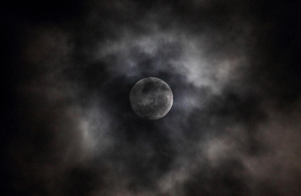 Gerhana Bulan 11 Januari Bisa Picu Banjir Rob, Benarkah?