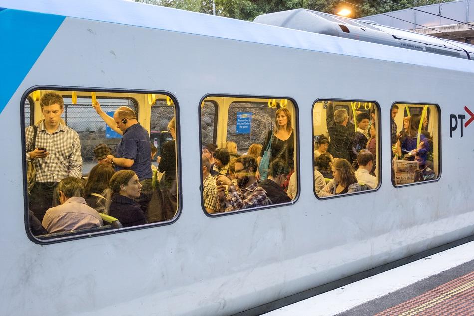 transjakarta krl commuter line- rumah123.com