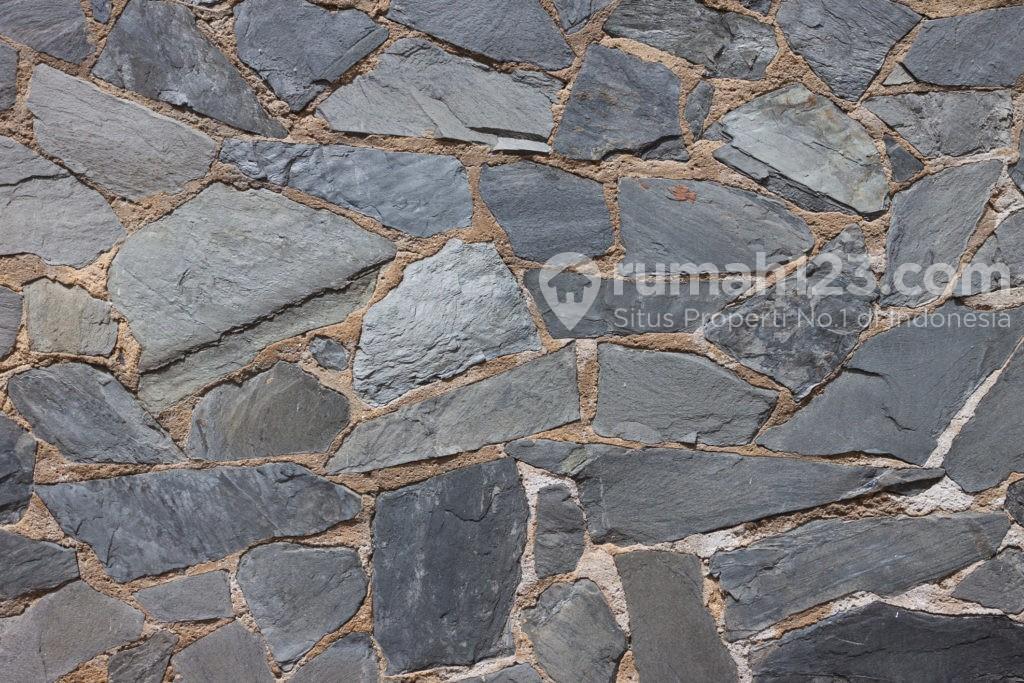 Batu alam dinding andesit- Rumah123.com