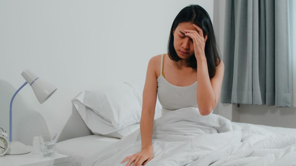 cara menghilangkan sakit kepala - Rumah123.com
