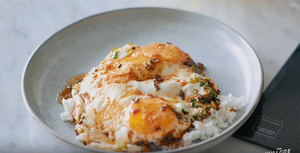 resep kuliner rumahan nasi kecap pontianak - Rumah123.com