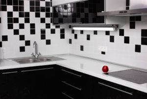 4 Cara Membersihkan Keramik Dinding Dapur