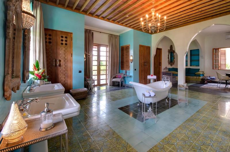 kamar mandi hotel - Rumah123.com