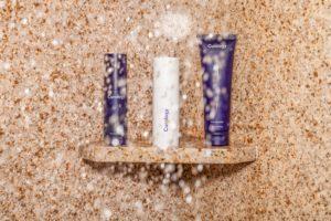 7 Cara Menata Tempat Sabun dan Sampo di Kamar Mandi Kecil