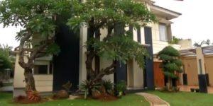 Rumah Narji Penuh Koleksi Sepatu, Mobil, Batu Akik, Hingga Burung
