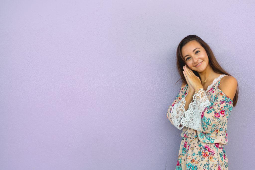 warna cat dinding ungu muda