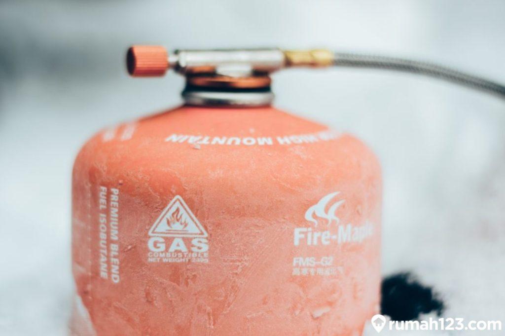 tabung gas mendesis