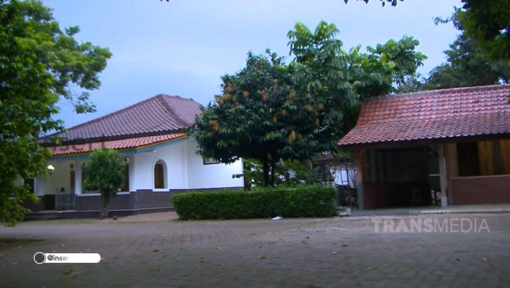 rumah mandra