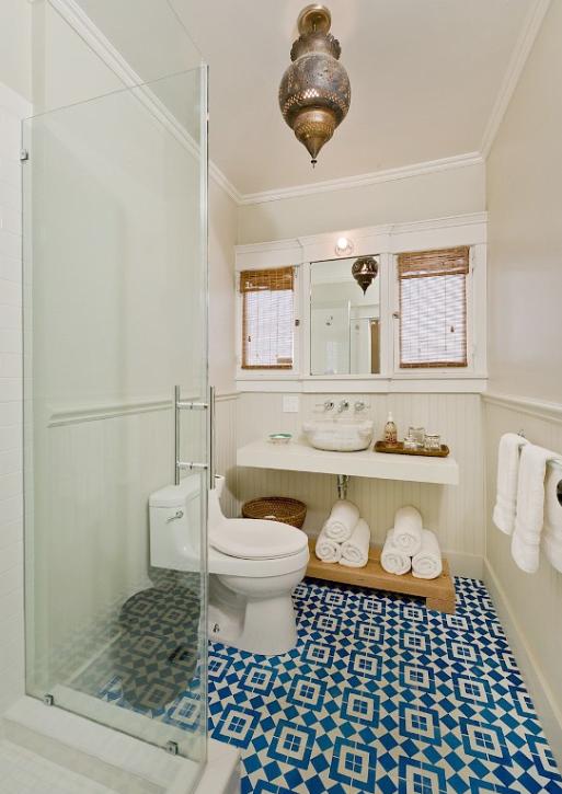 keramik kamar mandi anti licin