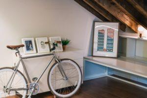 4 Cara Terbaik Parkir Sepeda di Rumah, Rapi Sekaligus Estetis!