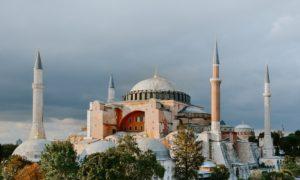 10 Fakta Hagia Sophia | Bangunan Bersejarah dan Ikonik di Turki