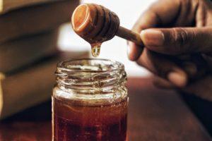 19 Manfaat Madu untuk Kesehatan, Ganti Gula di Rumah Sekarang!