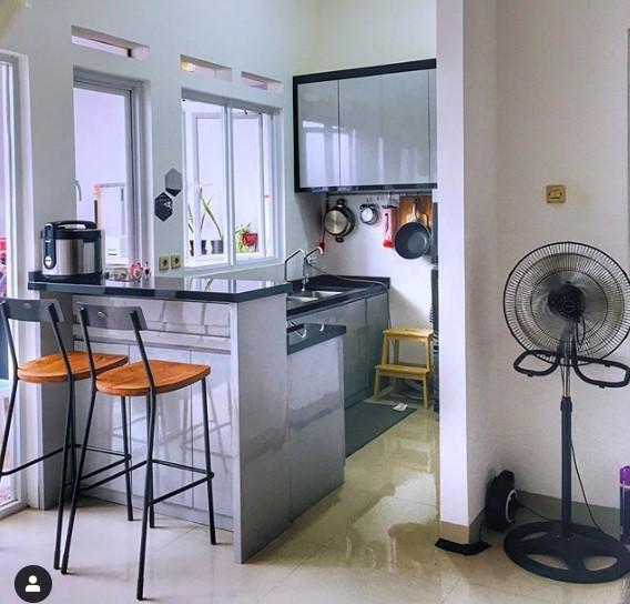 11 Contoh Dapur Minimalis Sederhana Yang Mudah Ditiru Di Rumah Kecil Rumah123 Com
