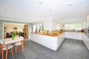 Cara Menghitung Kebutuhan Keramik Lantai untuk Seluruh Ruangan