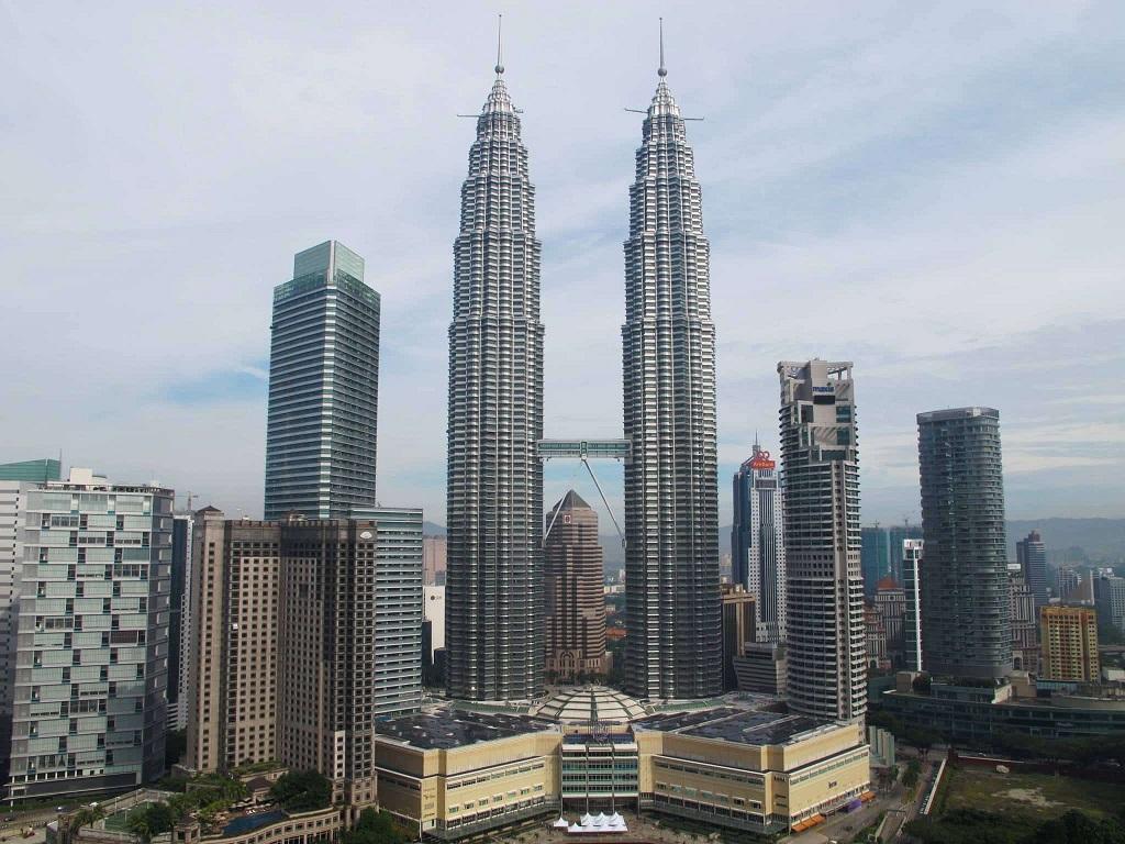 5 Gedung Tertinggi Di Asia Tenggara The Exchange 106 Milik Djoko Tjandra Masuk Daftar Rumah123 Com