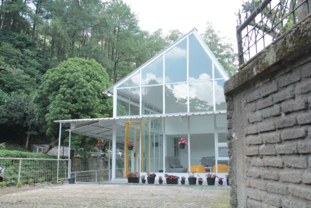 airbnb yellowhouse