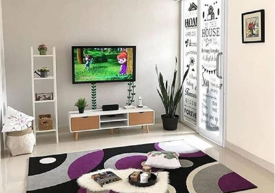 6 Tips Mendesain Ruang Tamu Sederhana Tanpa Sofa Rumah123 Com