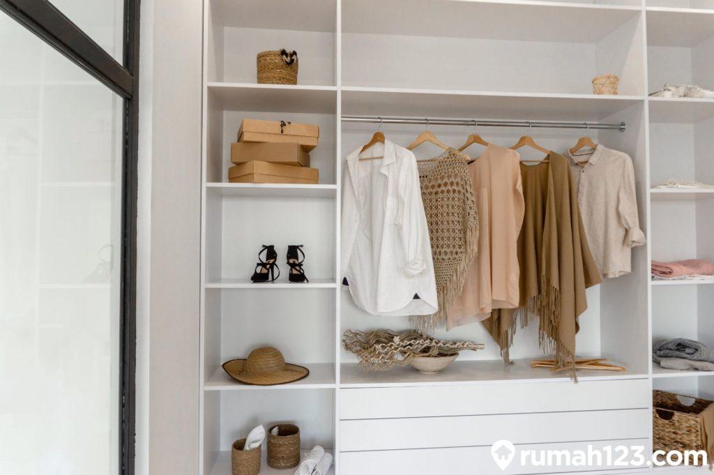 lemari pakaian minimalis