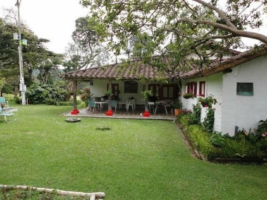 15 Potret Rumah Sederhana Di Kampung Suasana Pedesaan Memang Beda Ya Rumah123 Com
