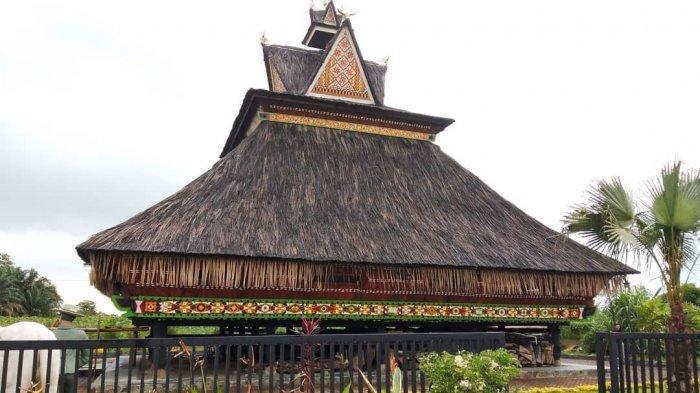 8 Rumah Adat Sumatera Utara Beserta Gambar Dan Penjelasannya Rumah123 Com