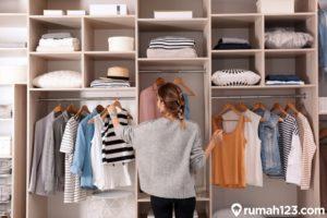 7 Cara Kreatif Menyusun Baju di Lemari Pakaian agar Lebih Rapi dan Muat Banyak