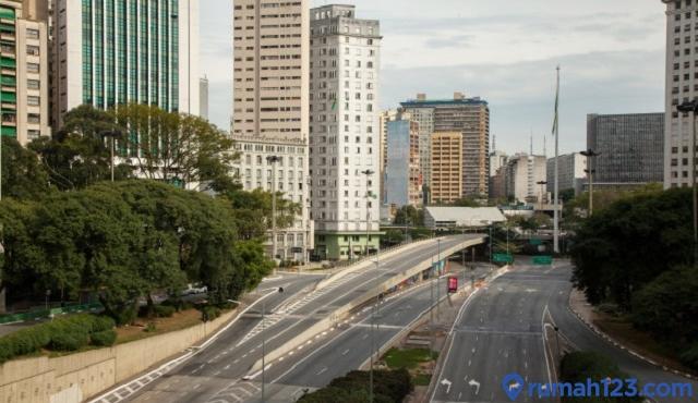 akses jalan dan transportasi umum
