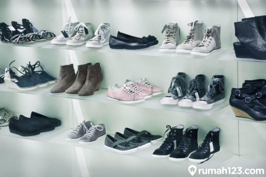 rak sepatu unik