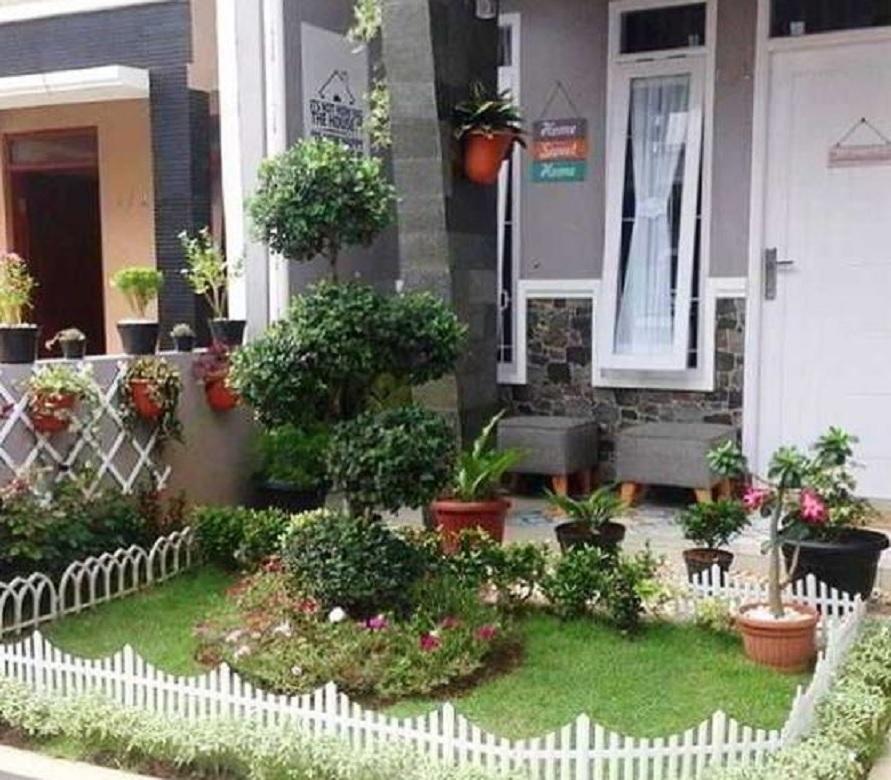 18 Inspirasi Taman Minimalis Depan Rumah Beragam Desain Dengan Tanaman Berbeda Rumah123 Com