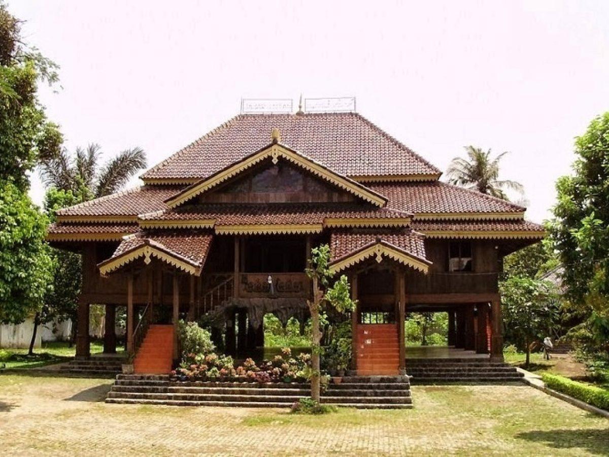 Rumah Adat Lampung_1