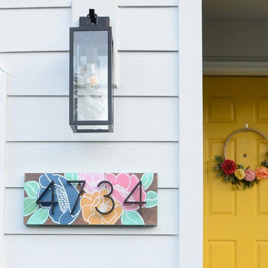 11 Desain Nomor Rumah Ini Bikin Hunianmu Beda Dari Yang Lain Rumah123 Com