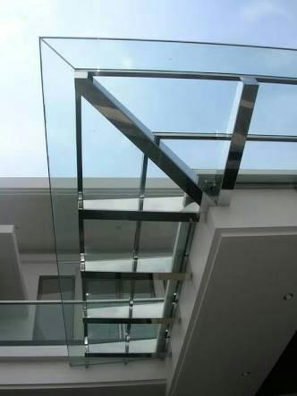 atap transparan kaca