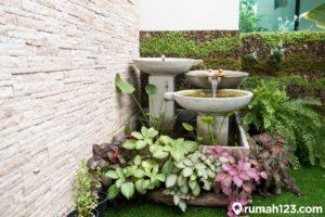 12 Gambar Taman Samping Rumah Minimalis | Cocok di Lahan Sempit!
