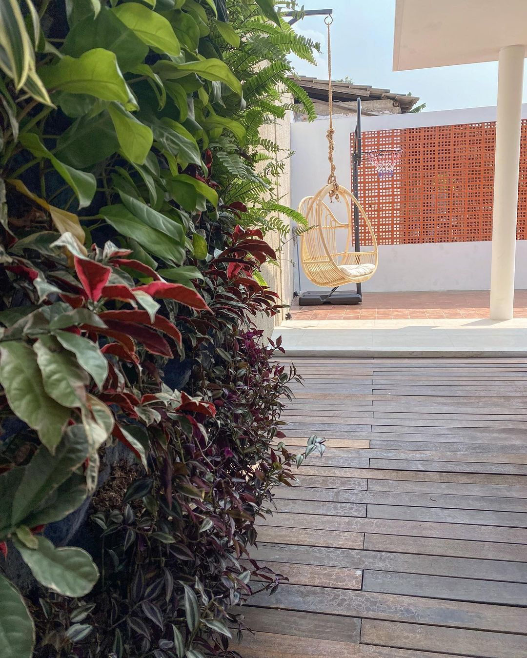 Taman Minimalis Samping Rumah_15