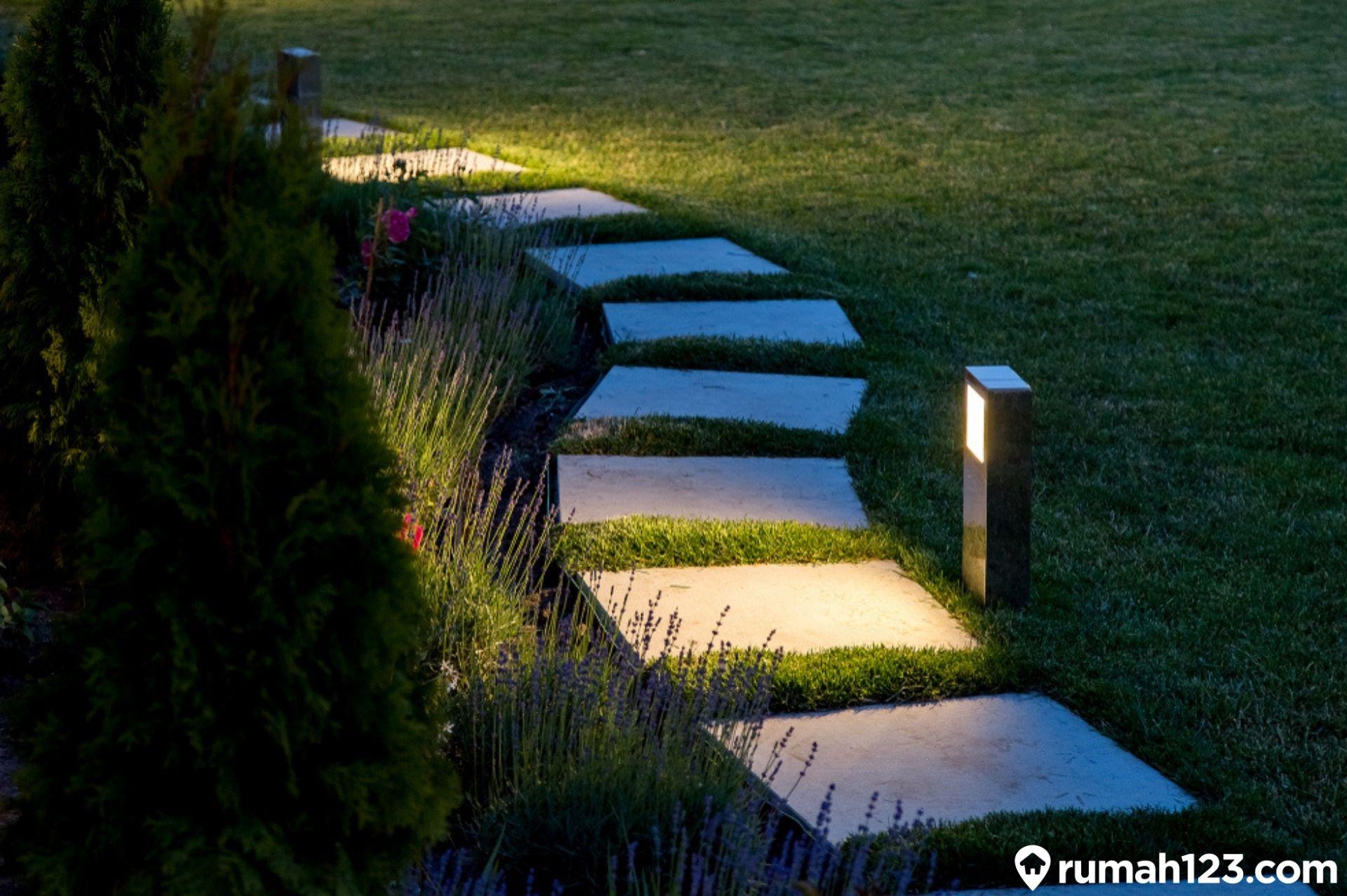 20 Gambar Lampu Taman Minimalis Yang Cocok Untuk Hunian Sempit Rumah123 Com