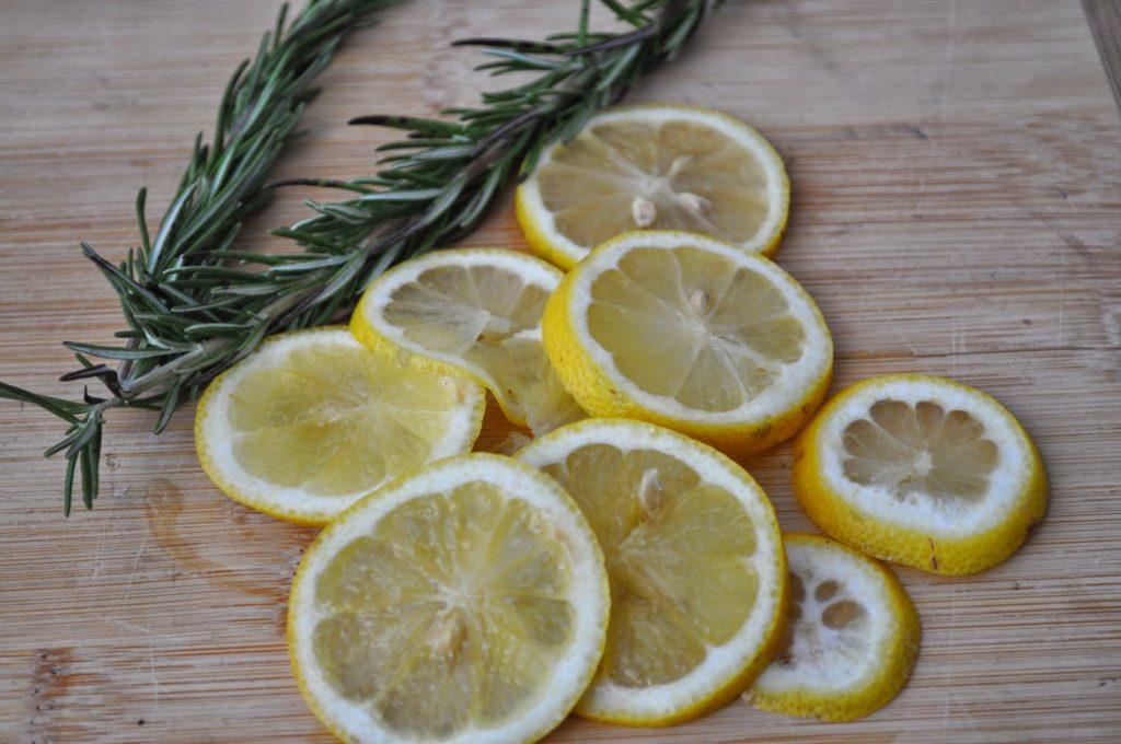 Pengharum Ruangan Lemon, Rosemary dan Vanili