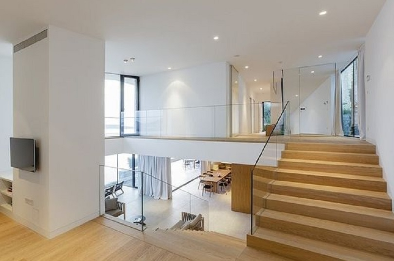 rumah 1,5 lantai