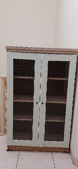 lemari hias minimalis