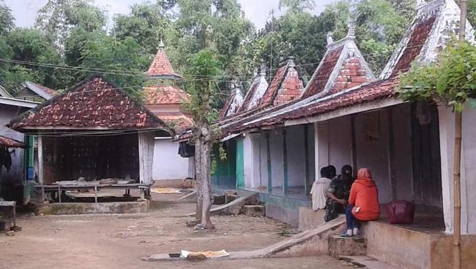 rumah-adat-madura