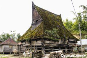 Mengenal 8 Fakta Menarik Rumah Adat Karo yang Penuh Sejarah dan Makna