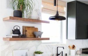 11 Inspirasi Desain Rak Gantung Dapur, Pastinya Jadi Rekomendasi Terbaik