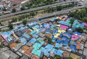 Intip Uniknya Atap Rumah Warna-warni di Kawasan Lenteng Agung