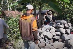 Unik! Warga Desa Ini Gotong Royong untuk Hemat Biaya Bangun Rumah