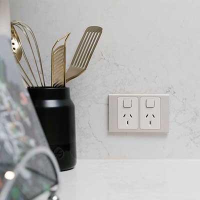 colokan listrik dapur