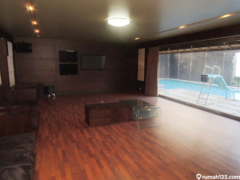 ruang karaoke pribadi